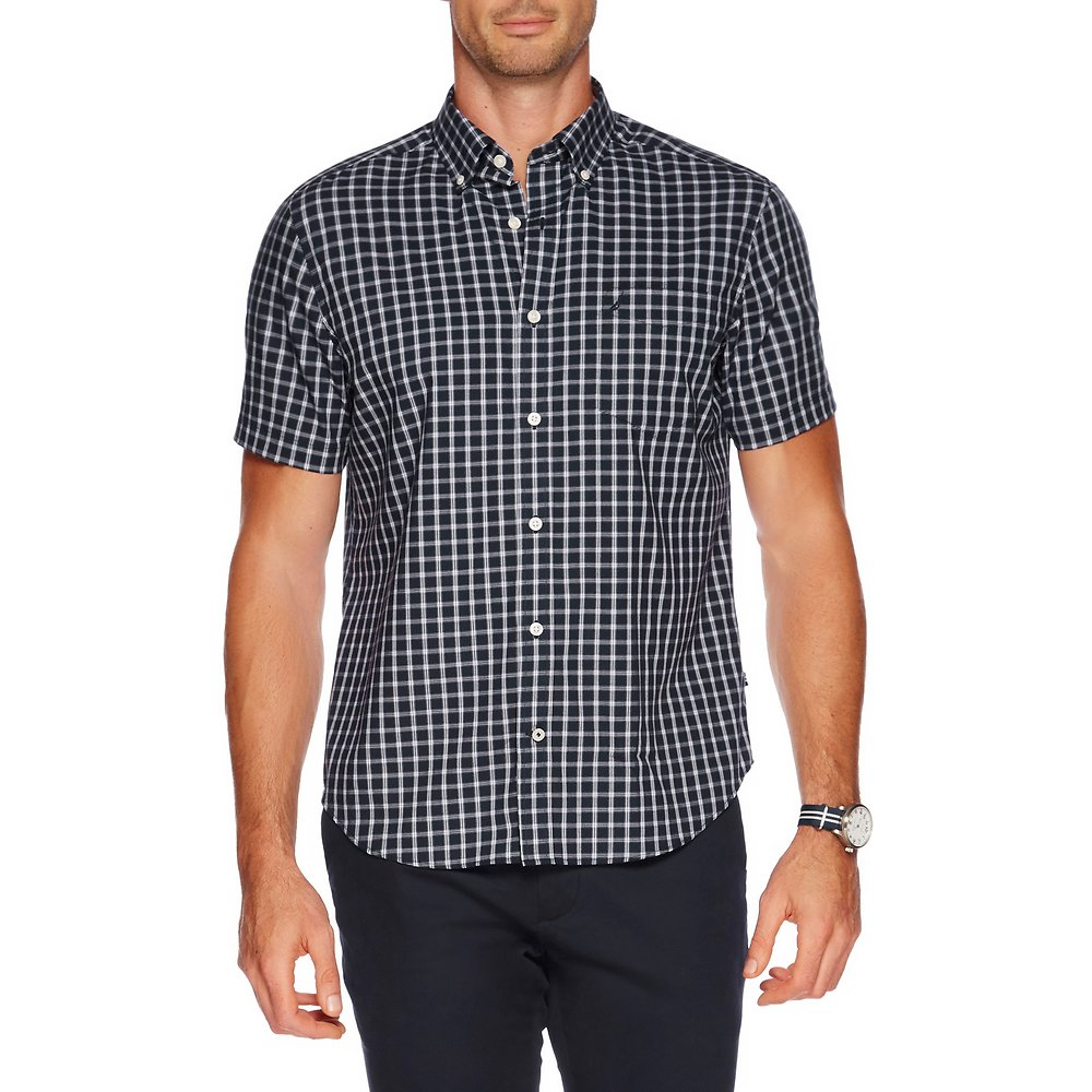 SHORT SLEEVE WRINKLE RESISTANT BUTTON DOWN COLLAR PLAID SHIRT